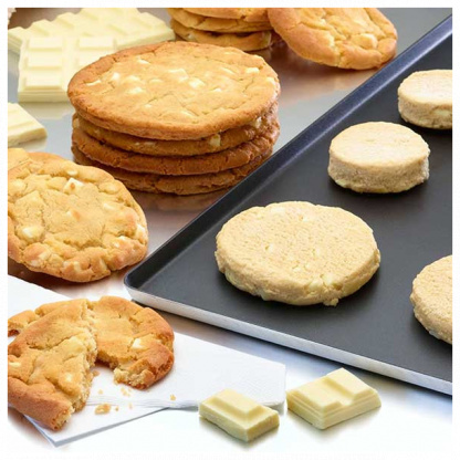 White Chocolate Chip Cookie Puck